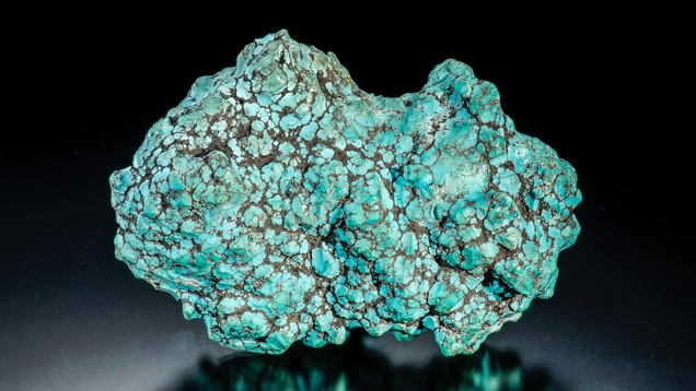 Turquoise rough nugget, 473.30 g from Hubei Province, China. Gift of James L. Peach, Sr.